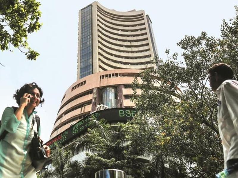 Share Market Today: शेयर बाजार में मामूली गिरावट जारी, जानिए सेंसेक्स और निफ्टी का हाल