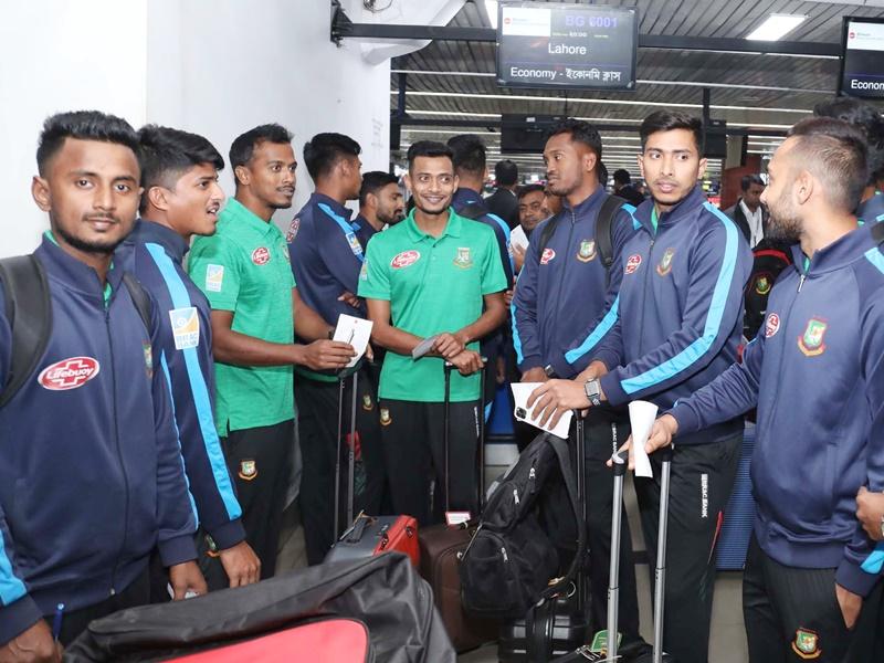 Ban vs Pak series: बांग्लादेशी गेंदबाज के पाकिस्तान दौरे को लेकर किए ट्वीट से फैली सनसनी
