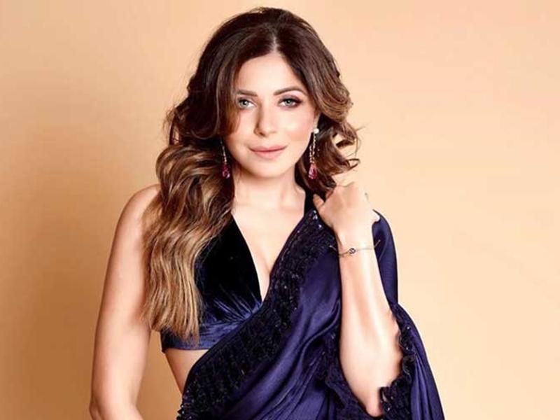 Kanika Kapoor पर चल सकता है मर्डर केस, Bollywood सिंगर में मिला हायर लोड कोरोना वायरस