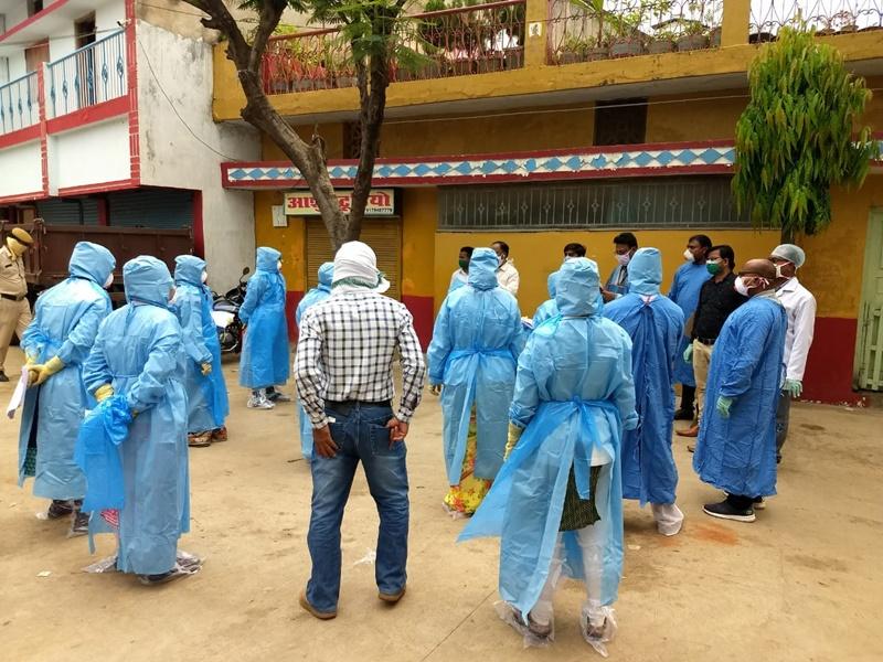 Coronavirus in Bilaspur : बिलासपुर में तीन कोरोना मरीज हुए स्वस्थ, डॉक्टरों ने ऐसी विदाई