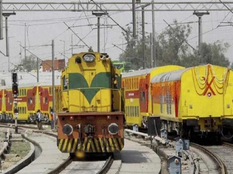Indian Railways: जानिए  एक जून से चलने वाली स्पेशल ट्रेनों में आरएसी और वेटिंग टिकट की स्थिति