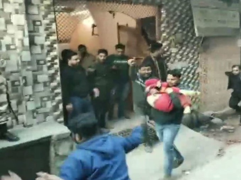 Bhajanpura Live: दिल्ली के भजनपुरा इलाके में कोचिंग सेंटर की छत गिरी, संचालक और 4 बच्चों की मौत