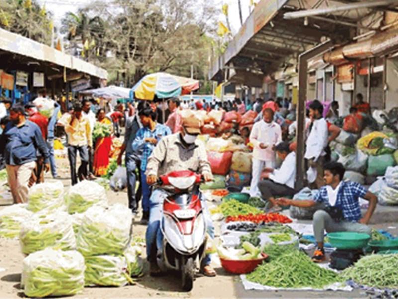 Indore Lockdown : 15 हजार लोग सब्जी खरीदने पहुंच गए चोइथराम मंडी