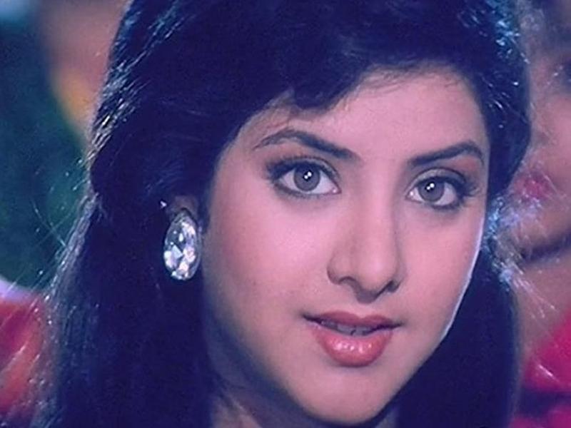 Divya Bharti की मौत के बाद इस फिल्म के सेट पर महसूस की गई थी अजीब हलचल