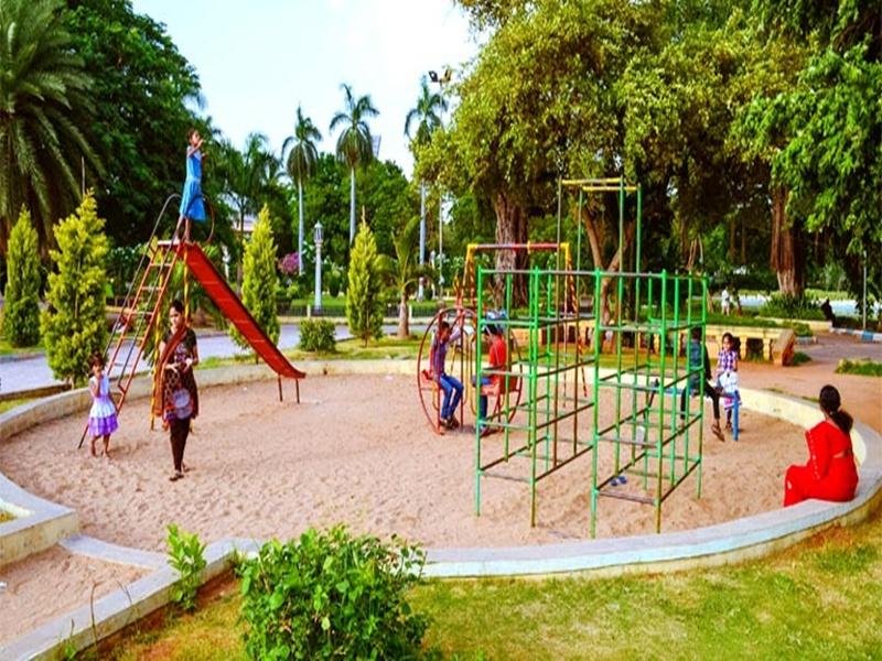Chhattisgarh Weather update: धूप खिलने के साथ मौसम हुआ खुशनुमा