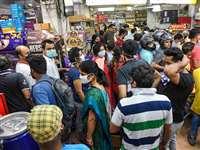 लॉकडाउन में बाजार खोलने पर अचानक उमड़ी भीड़ तो सरकार ने लिया फैसला वापस