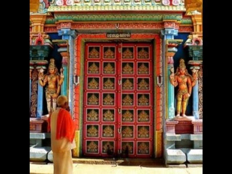 Surya Grahan 2019 : 2 घंटे 40 मिनट बाद सूर्य ग्रहण समाप्त, अब होगा मंदिरों में शुद्धिकरण