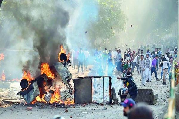 संपादकीय : दिल्ली के गुनहगार