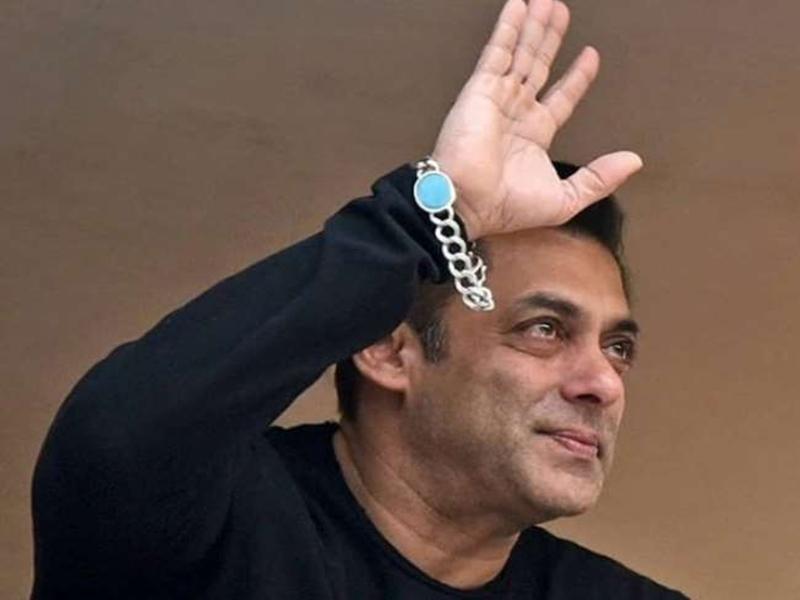 Salman Khan : मिलते ही बोले थे सलमान- इस बार आईफा शो अपने इंदौर में है
