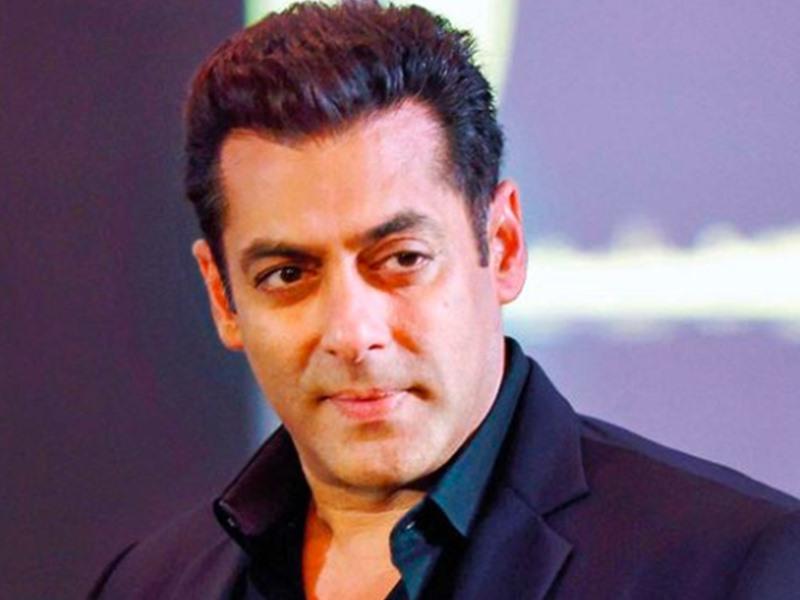Salman Khan को ऐसे मिला था पहला विज्ञापन, लड़की को इम्प्रेस कर रहे थे