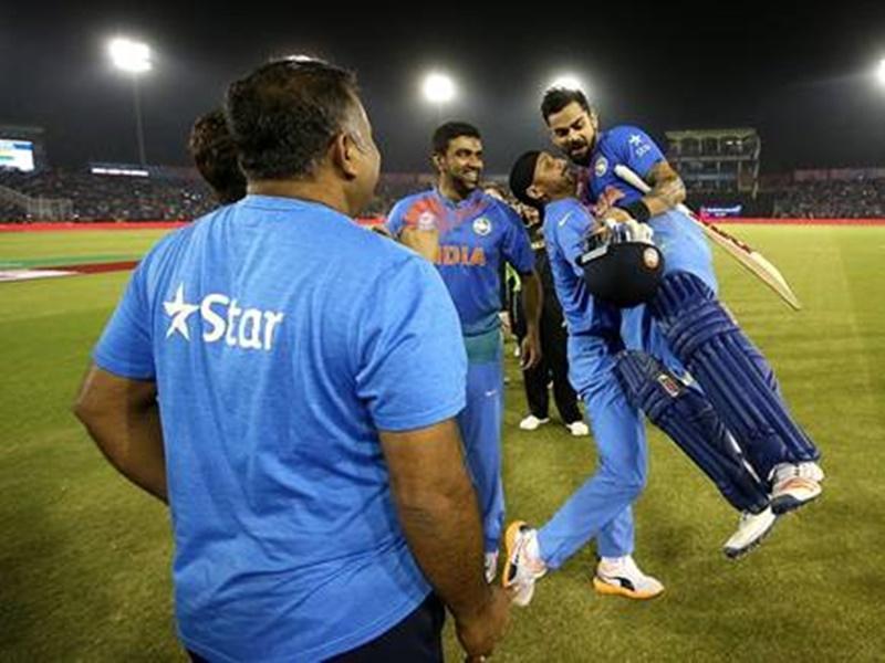 4 साल पहले Virat Kohli मोहाली में जमकर बरसे थे ऑस्ट्रेलियाई गेंदबाजों पर, देखें Video