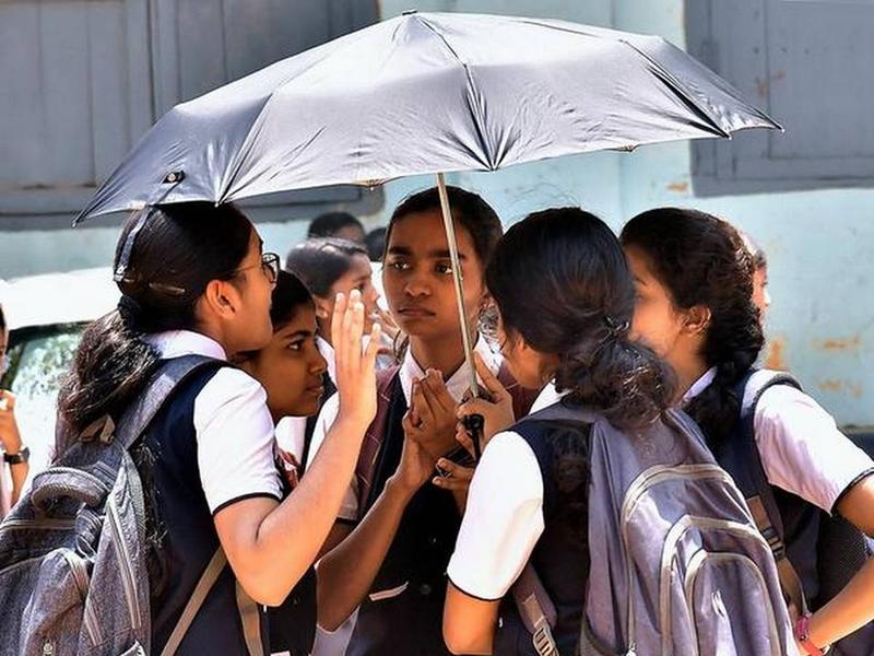 Fact Check: 'सरकार ने दी स्कूल-कालेज खोलने की इजाजत', देर रात गृह मंत्रालय ने बताया इस मैसेज का सच