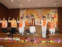 Congress के 8 में से 5 पूर्व विधायक हुए BJP में शामिल, तीन के और आने की संभावना