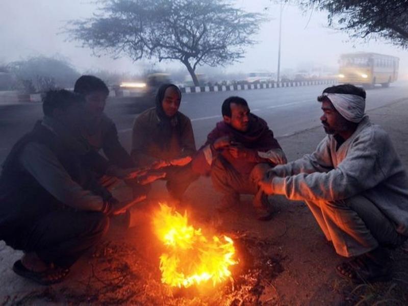 Weather Update: कड़ाके की सर्दी से ठिठुरा उत्तर भारत, इन राज्यों में अगले 2 दिनों तक पड़ेगी हाड़ कंपाने वाली ठंड