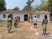 Narayanpur : कोरोना संकट में डूबने लगे अबूझमाड़ के गांव, बाजार से आलू प्याज गायब