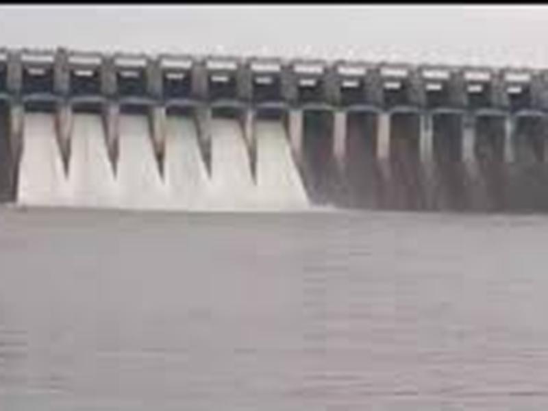 Jabalpur News : बांध से 3 किलोमीटर दूर फिर भी पूरा गांव प्यासा