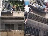 Child Rescue Video: बच्चा तीसरी मंजिल की खिड़की से फिसलकर लटका, डिलेवरी मैन ने इस तरह बचाई जान