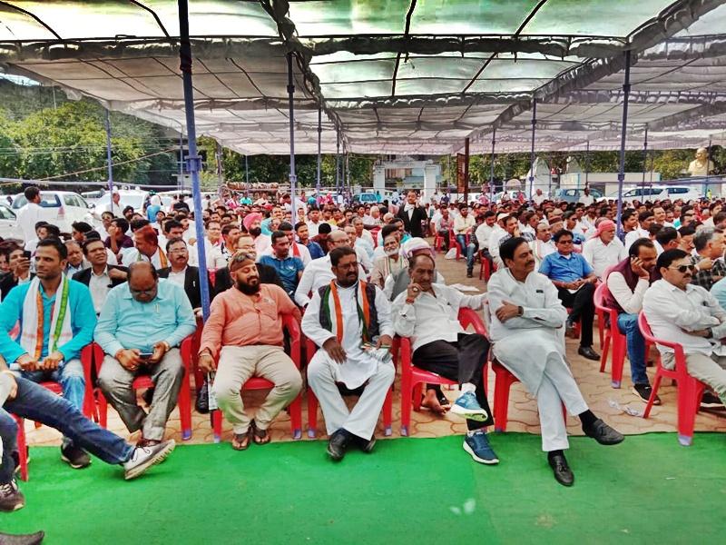 Chhattisgarh : आयकर छापों पर बोले CM भूपेश बघेल, आर्म्स फोर्स तैनात कर डराने का प्रयास