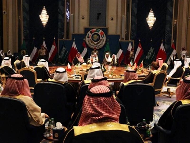 गल्फ ब्लॉक छोड़ने की बात से कतर ने किया इनकार, तीन साल पहले सऊदी ने इसलिए निकाला था