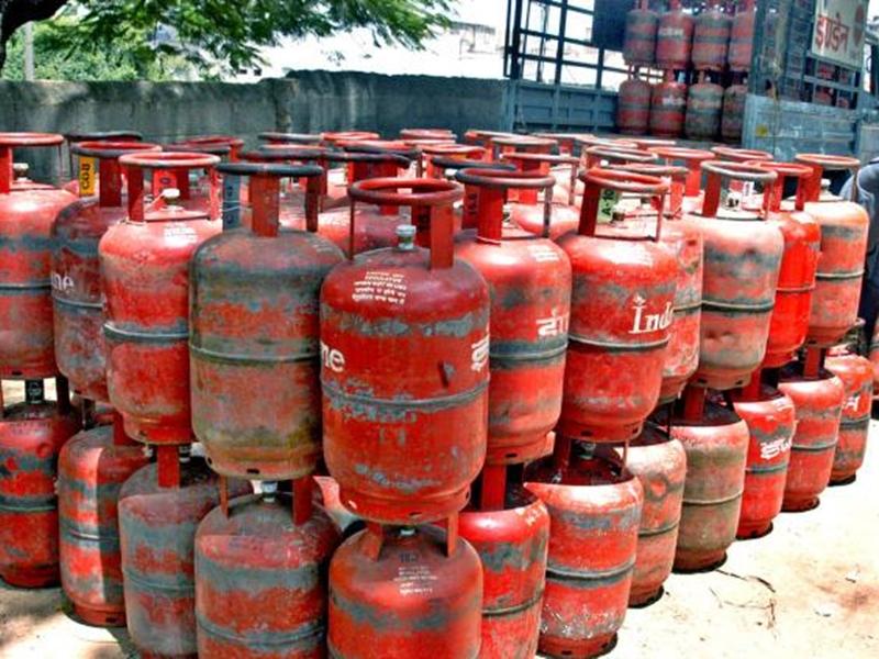 PMUY: जल्दी कीजिए, फ्री LPG Cylinder पाने का मौका निकल न जाए