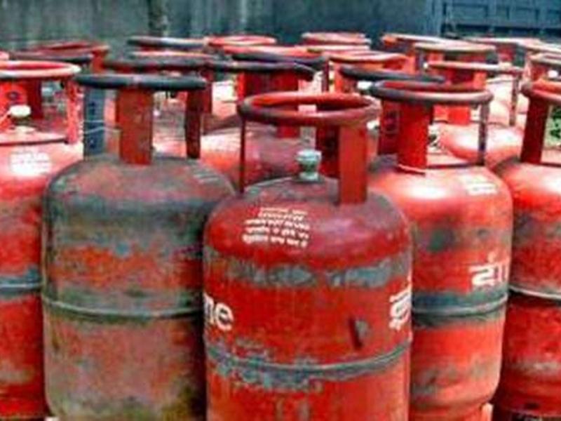 Gas Cylinder की अब इतने दिन पहले ही हो सकेगी बुकिंग, IOC ने लिया फैसला