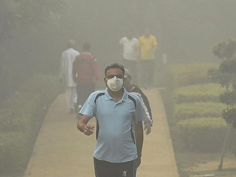 Delhi Air Pollution: प्रदूषण से शुक्राणुओं को भी पहुंचता है नुकसान, जानिए इस जोखिम के बारे में