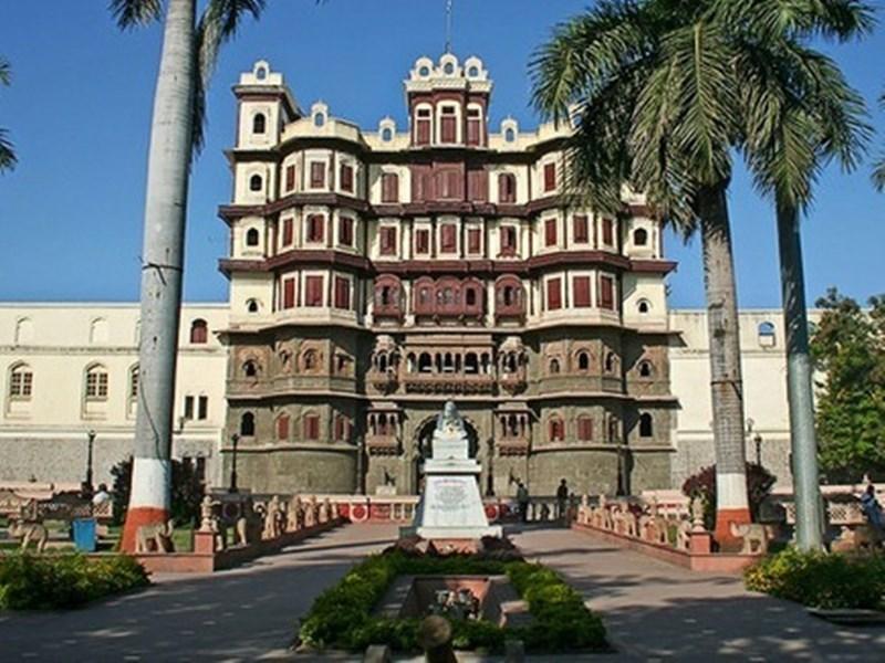 Unlock 1.0 in Indore : इंदौर में कोरोना से सबसे ज्यादा प्रभावित इलाकों में खुलेंगी ये दुकानें