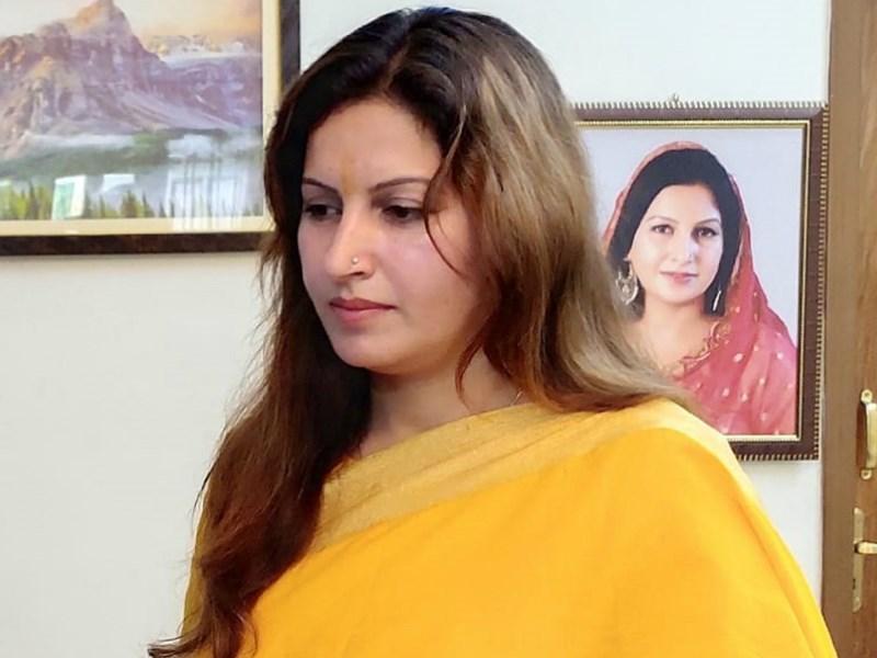 TikTok स्टार सोनाली फोगाट ने बहन और जीजा पर लगाया मारपीट का आरोप, जानें पूरा मामला