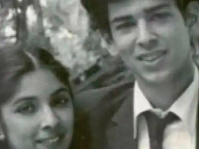 Neena Gupta ने ढूंढ रही थीं एक पुराने साथी को तो फैन्स ने बता दिया कैसे दिखते हैं