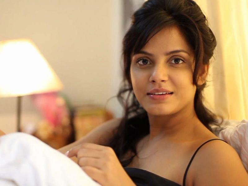 Happy Birthday Neetu Chandra: भोजपुरी फिल्मों में काम कर चुकीं इस एक्ट्रेस को मिला टिकट-टू-हॉलीवुड