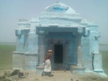 नीमच जिले में 12 साल बाद पानी से बाहर आया प्राचीन मंदिर