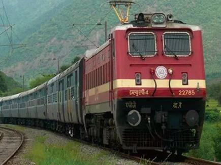 12वीं पास के लिए रेलवे में नौकरी, अभी भी है मौका, 15 अक्टूबर तक करें अप्लाई