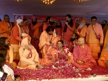 Prayag Kumbh: केंद्रीय मंत्री निरंजन ज्योति बनीं महामंडलेश्वर