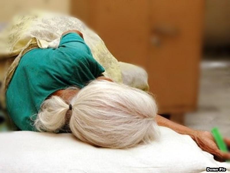 पोता लड़की लेकर भागा तो उसकी 100 वर्षीय दादी को पीटा, मौत ! Ratlam News