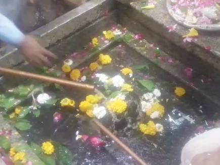 VIDEO : ओंकारेश्वर में 24 घंटे खुले रहे पट, 1 लाख भक्तों ने किए दर्शन