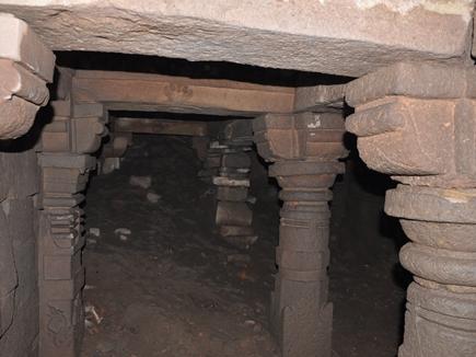 सातवीं सदी से भी पहले का है ओंकारेश्वर में ज्योतिर्लिंग मंदिर के नीचे निकला 'मंदिर'