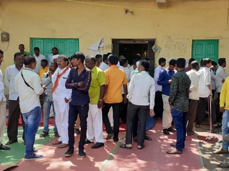Maharashtra Assembly Elections: चुनावी रैली में शिवसेना सांसद को चाकू मारा, घायल