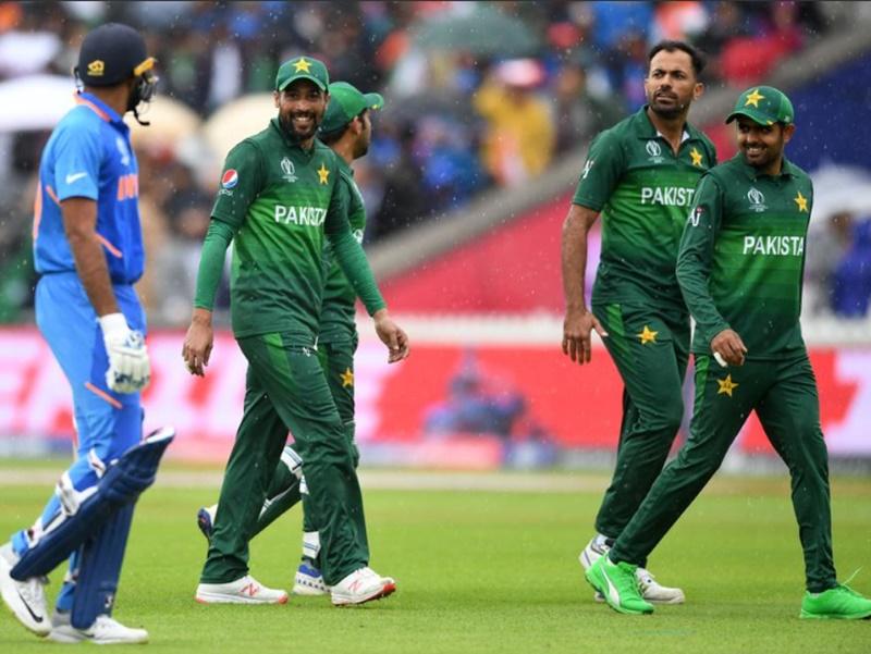 India vs Pakistan: मैच से एक रात पहले टीम की होटल में ही थे पाक खिलाड़ी : पीसीबी