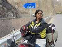 पाकिस्तान की पहली महिला बाइकर ने ऐसे हासिल किया मुकाम