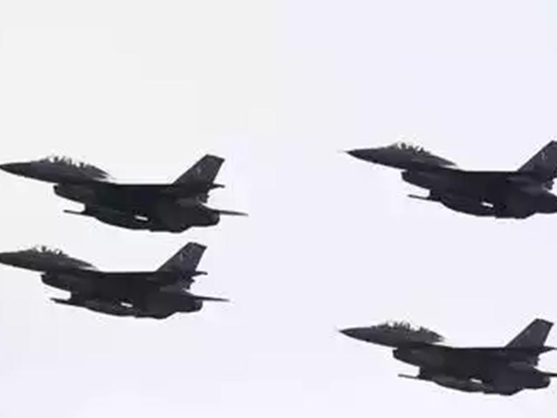 भारत के यात्री विमान को लड़ाकू विमान समझ बैठा पाकिस्तान, हड़बड़ाहट में रवाना किए F-16 फाइटर जेट