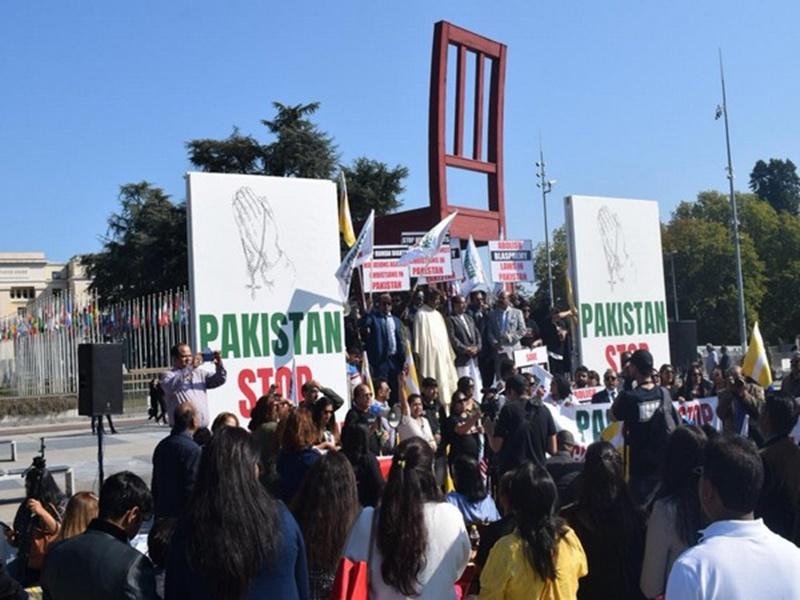Conversion In Geneva : यूरोप में रह रहे पाकिस्तानी ईसाइयों ने किया धर्मांतरण के खिलाफ जिनेवा में विरोध मार्च