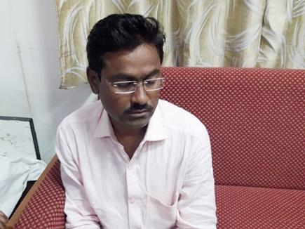 बड़वानी के राजपुर में रिश्वत लेते पकड़ाया पंचायत सचिव