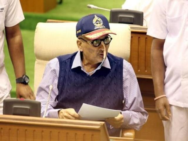 नहीं रहे गोवा के CM मनोहर पर्रीकर, सोमवार को राष्ट्रीय शोक घोषित, बंद रहेंगे संस्थान