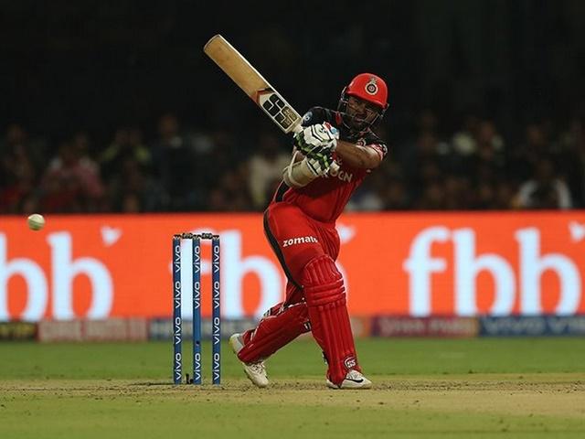 IPL 2019 : रॉयल चैलेंजर्स का रिकॉर्ड, पावरप्ले में किया कमाल