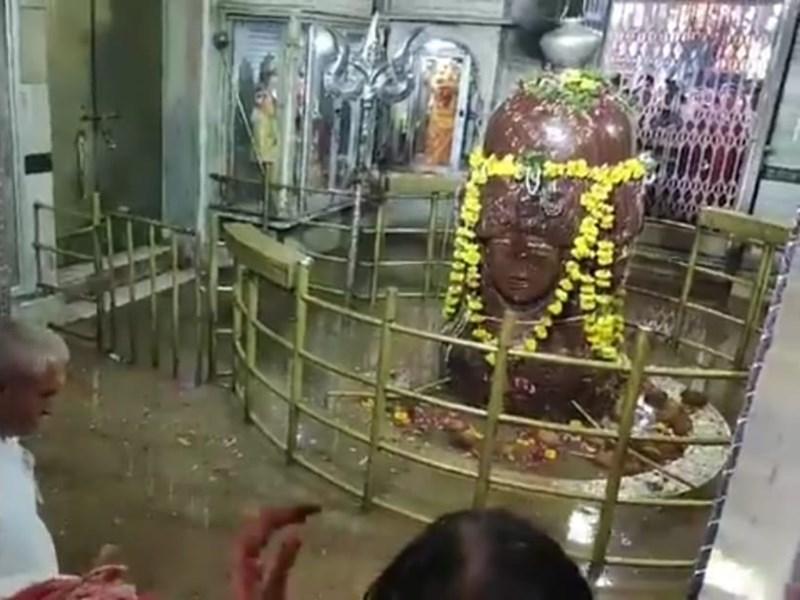VIDEO : मंदसौर में शिवना का पानी पहुंचा पशुपतिनाथ मंदिर के गर्भगृह में