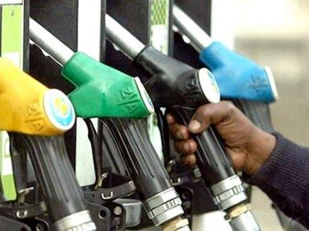 तेल की कीमतों में लगी आग, दिल्ली में पेट्रोल 75 रुपये के पार
