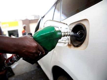 रविवार को पेट्रोल 60 पैसे और डीजल 19 पैसे महंगा, जानिए आपके शहर के दाम