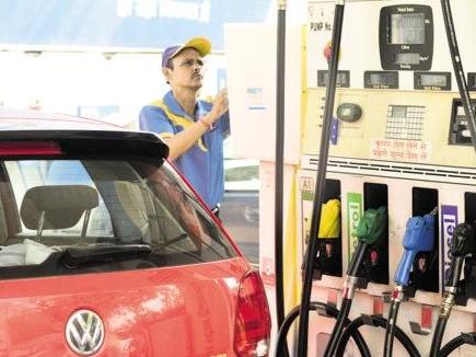 डीजल हुआ सस्ता, जानिए आज क्या रहे पेट्रोल के दाम