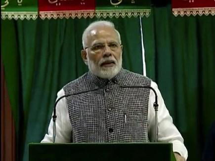 प्रधानमंत्री ने स्वच्छता पर की इंदौर और भोपाल की तारीफ
