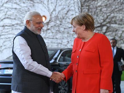 तीन देशों की यात्रा के अंतिम चरण में PM मोदी जर्मनी पहुंचे